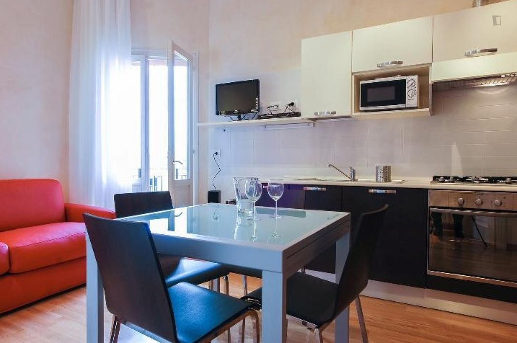 1-Bedroom apartment with a balcony, near Basilica di San Francesco