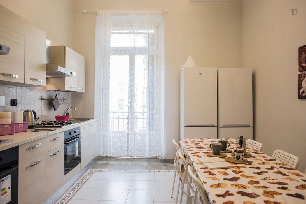 Nice single bedroom close to Re Umberto metro station