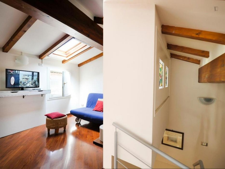 Wonderful 2-bedroom apartment close to the Basilica di Santo Stefano