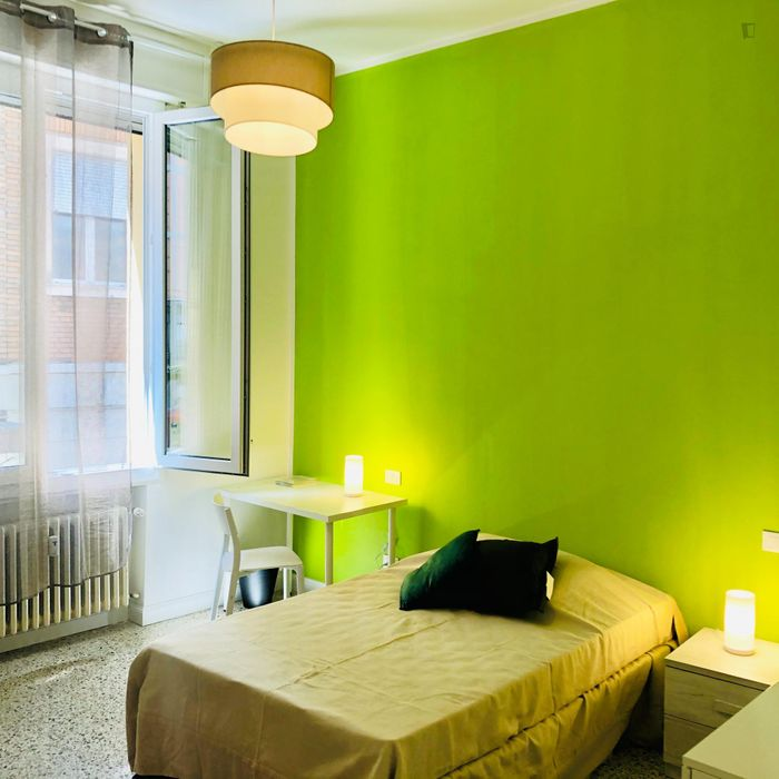 blue room in bologna centro close to university and central station