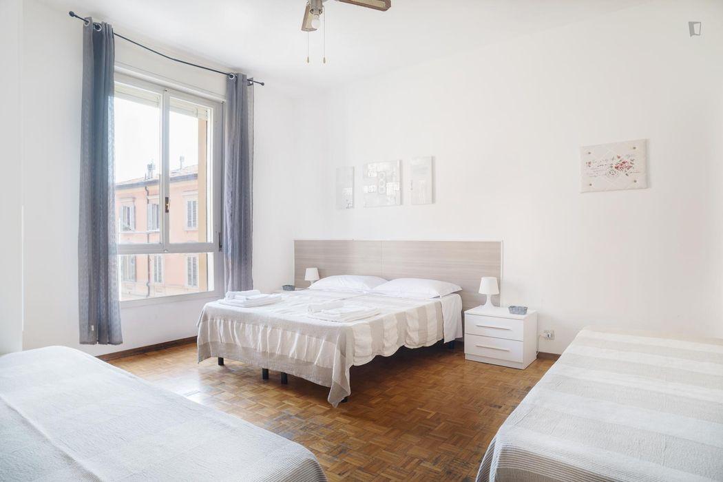 Bright 2-bedroom apartment near Johns Hopkins University