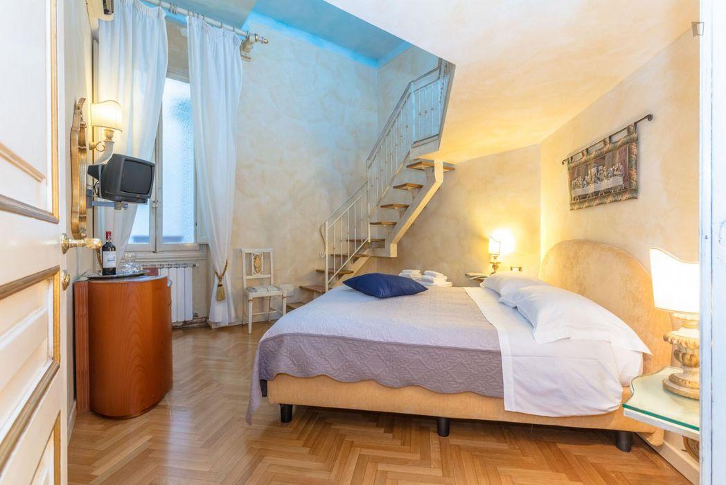 3-Bedroom apartment near Piazza della Repubblica