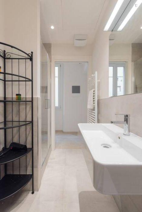 Wonderful 1-bedroom apartment close to POLIMODA