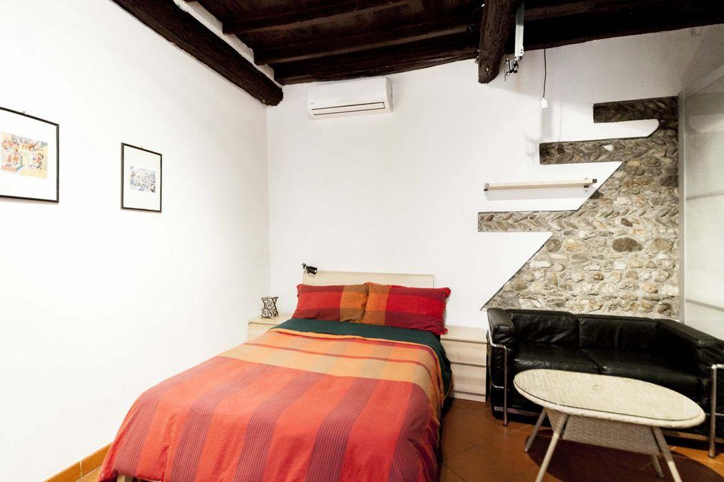 Really neat 1-bedroom flat, in the Basilica di Santa Croce
