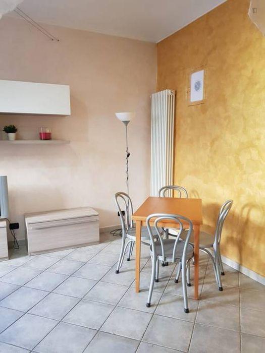 Cosy 1-bedroom apartment close to Lingotto metro station