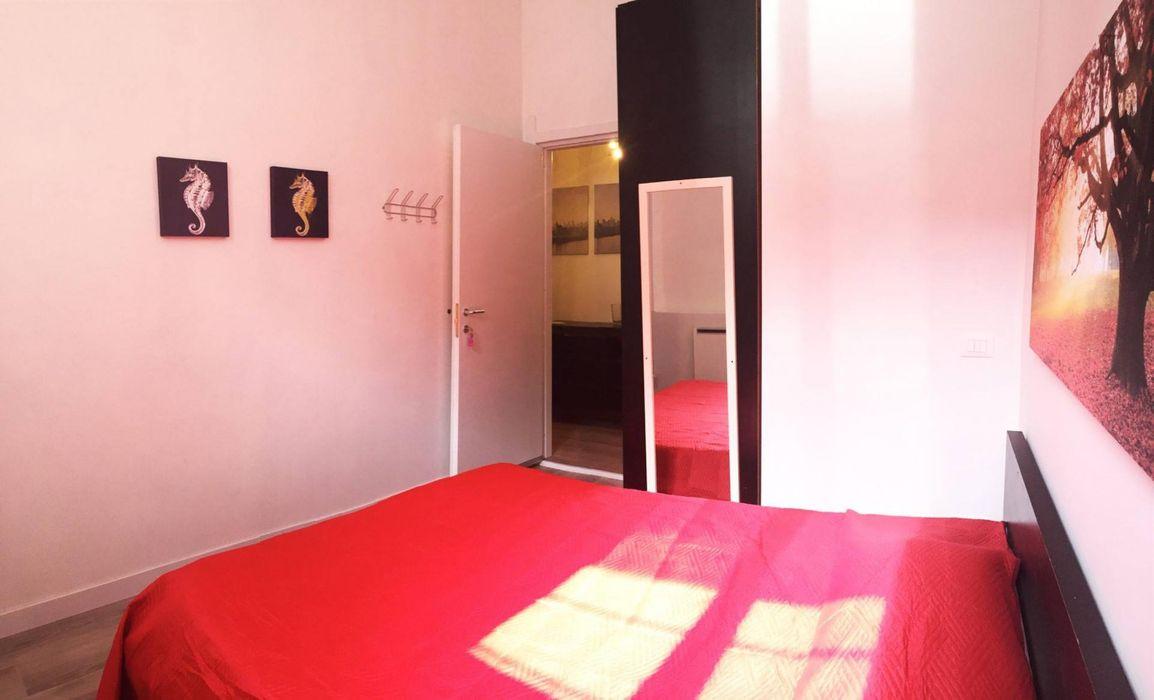 Cosy ensuite bedroom close to Università Degli Studi Di Firenze Facoltà Di Architettura