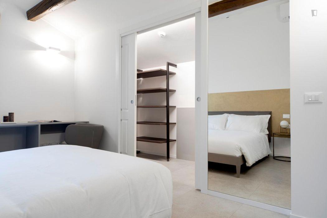 2-Bedroom apartment near Finestrella