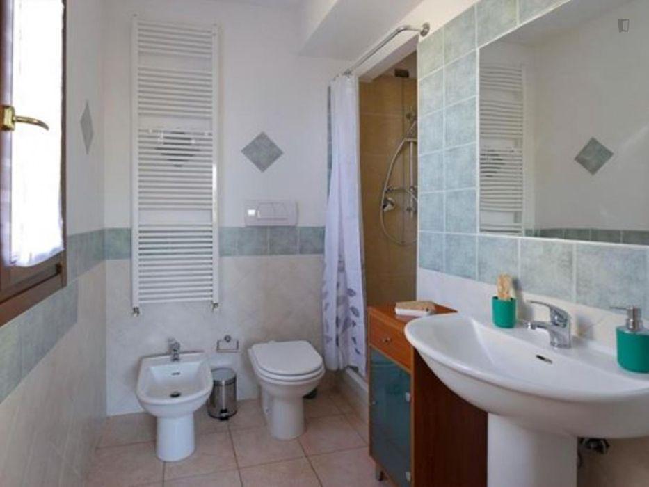 Modern 1-bedroom apartment near Parco Lunetta Mariotti