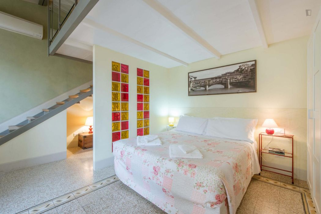 Huge 1-bedroom apartment in Florence city centre