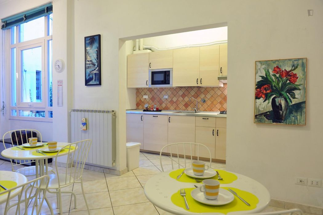 Double bedroom in a 3-bedroom apartment near Ponte All'Asse tram stop