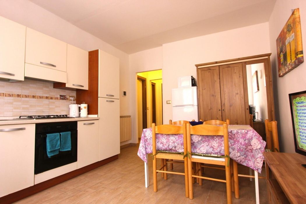 Bed in cozy twin bedroom in 2-bedrooms apartment very close to Basilica di Santa Croce