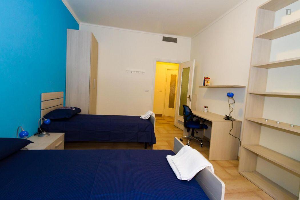 Nice single bedroom in Residence in Turin city centre