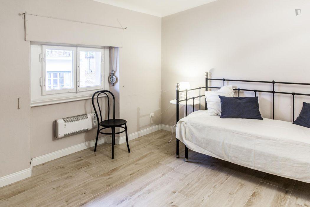 Nice 1-bedroom apartment close to Piazza della Vittoria