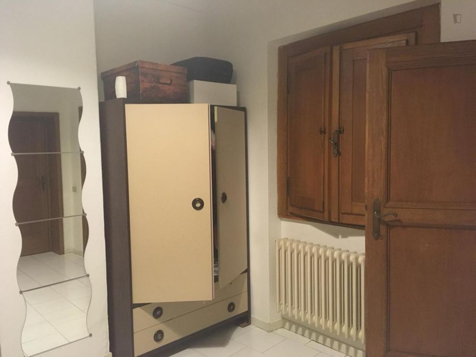 Double bedroom, with private bathroom, in 4-bedroom apartment