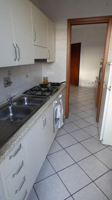 Cosy single bedroom close to Turin city centre
