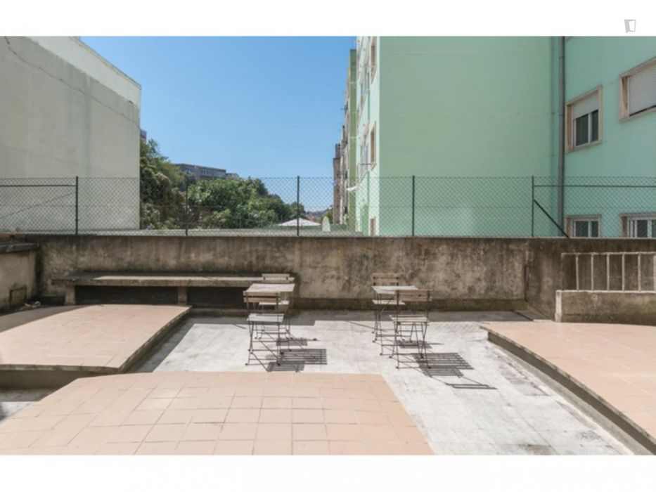 Spacious double bedroom near Alameda metro station and IST, ref 201