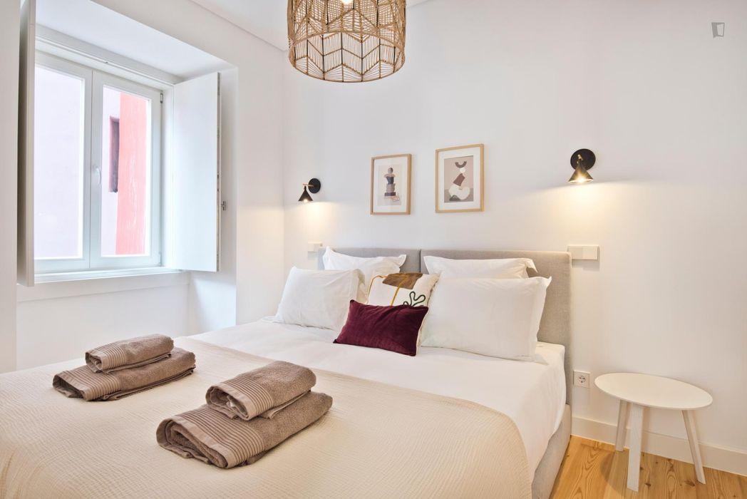 1-bedroom apartment near Martin Moniz metro station