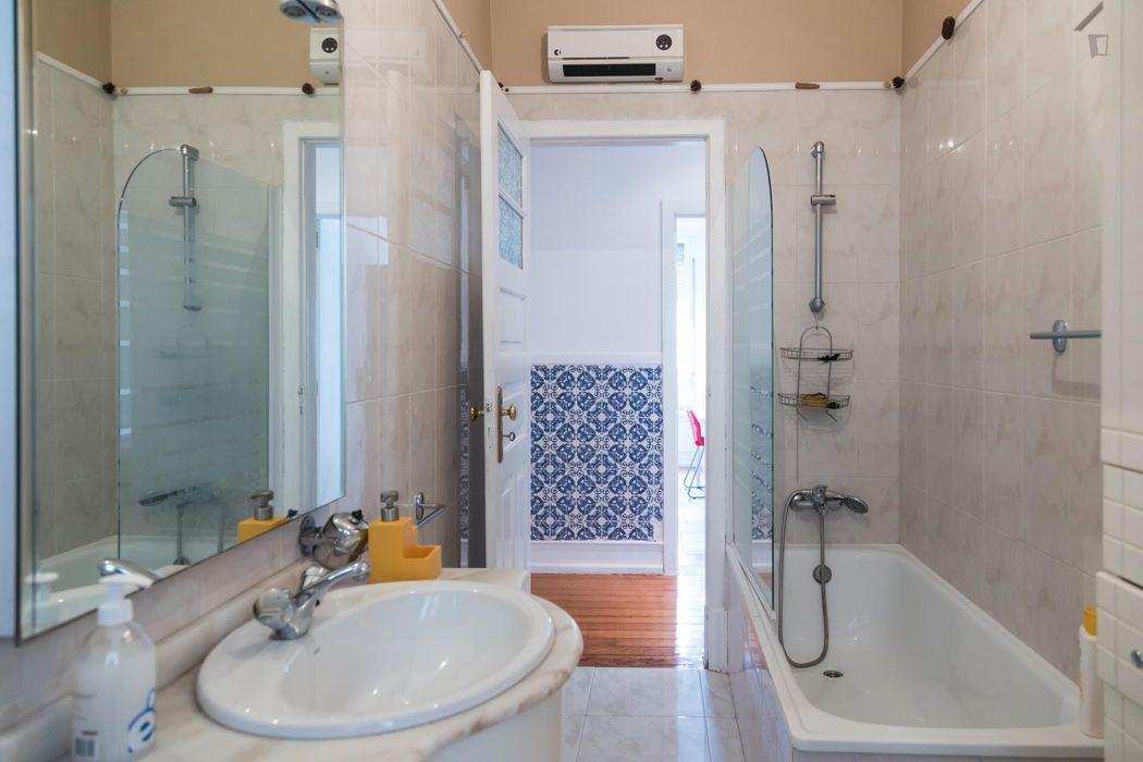 Appealing double bedroom in Alameda