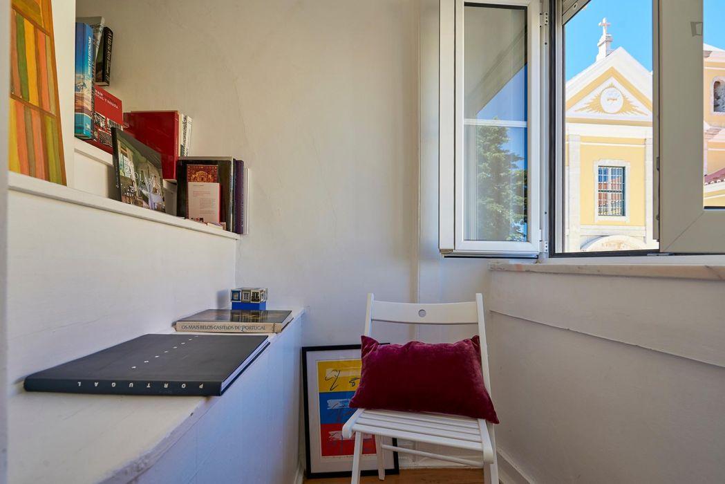 Twin bedroom apartment near Salão Belas Artes