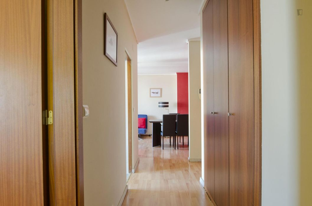 1bedroom flat plus extra bed -Graça- parking, weekly cleaning and clothes change