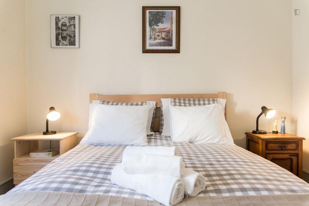 Double bedroom in Penha de França