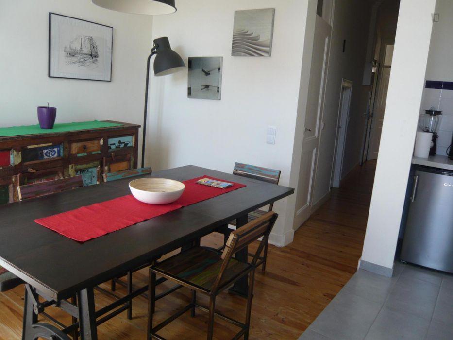Neat looking 1-bedroom flat in Graça