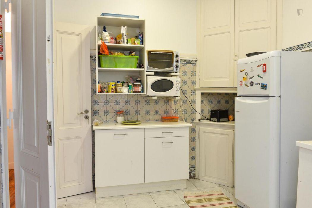Snug single bedroom in a residence, in Intendente