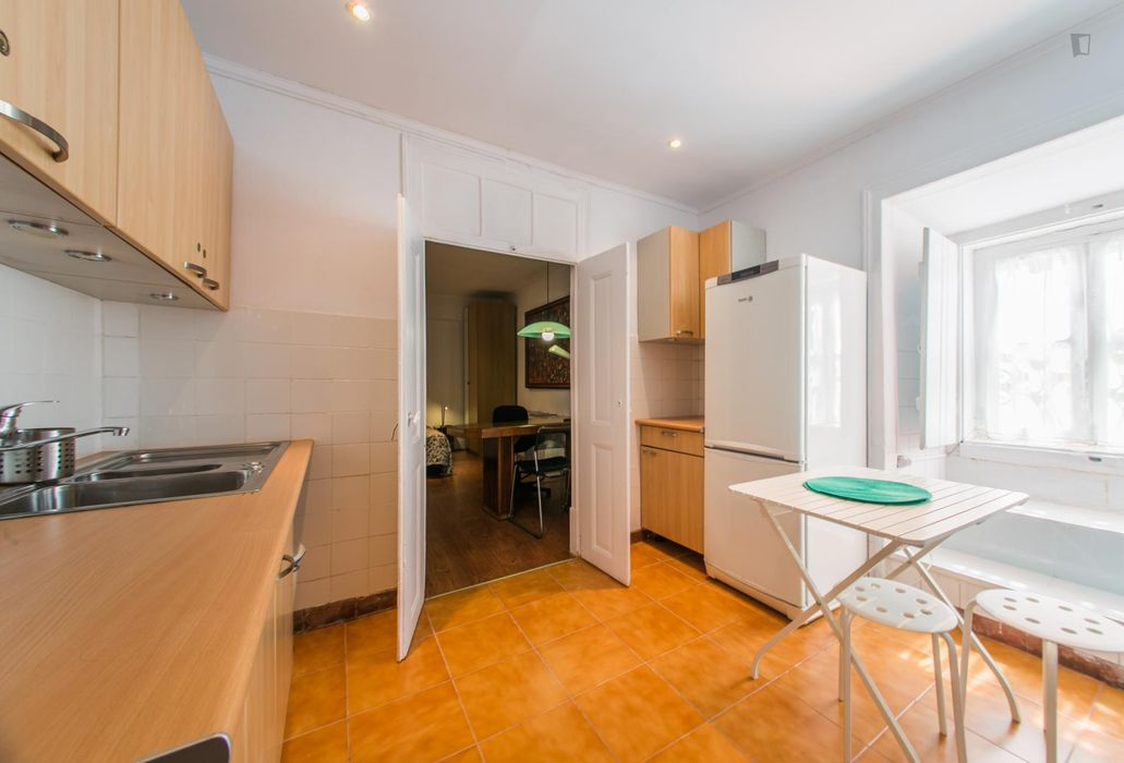Really cool 2-bedroom apartment in Restelo