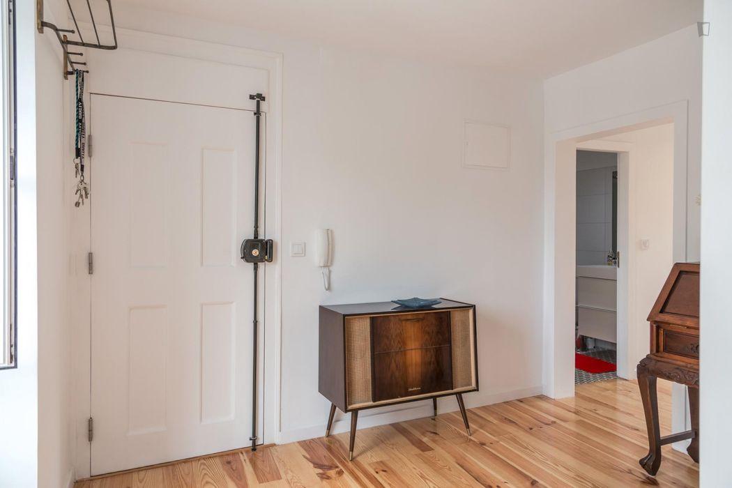 Appealing two bedroom apartment in Martim Moniz