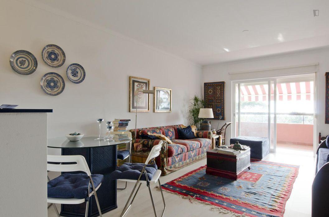 Cool studio apartment near Costa da Caparica