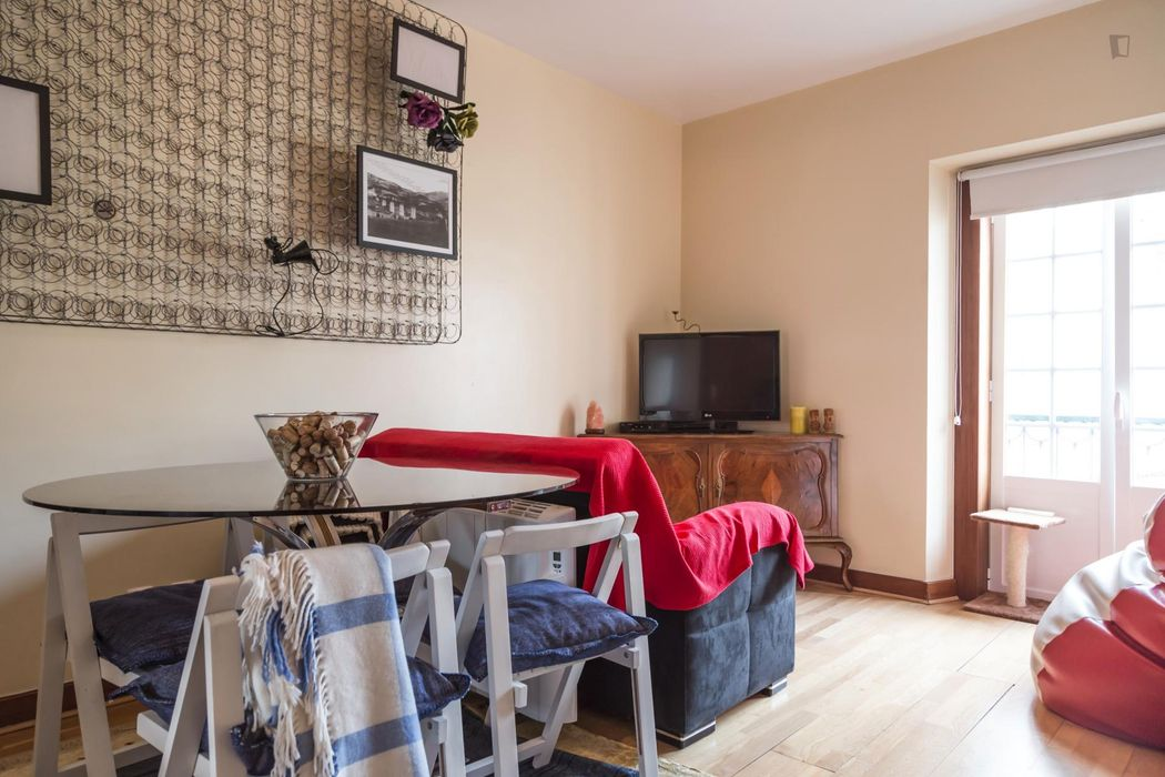 Nice central T2 + 1 bedroom apartment in Bairro Alto