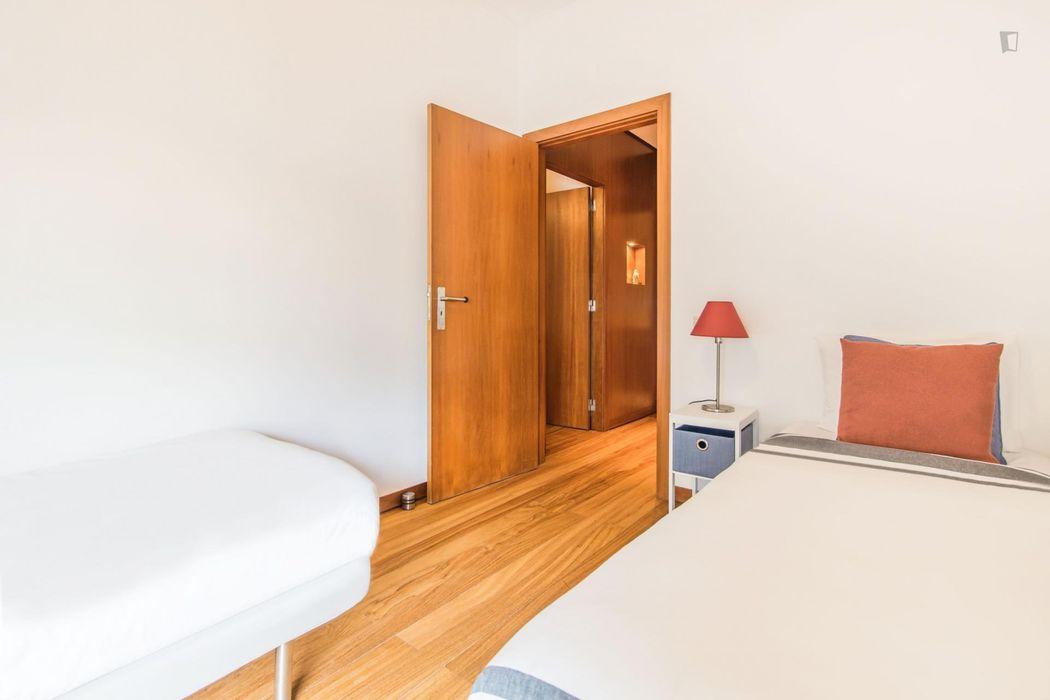 Comfy 3-bedroom apartment near Saldanha metro station