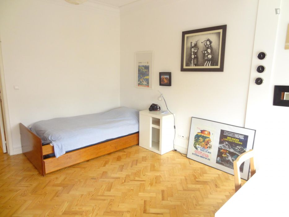 Sunny and modern 3-bedroom apartment in Roma-Areeiro