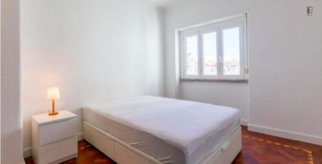 Bright and Quiet 1-Bedroom Apartment fully equipped