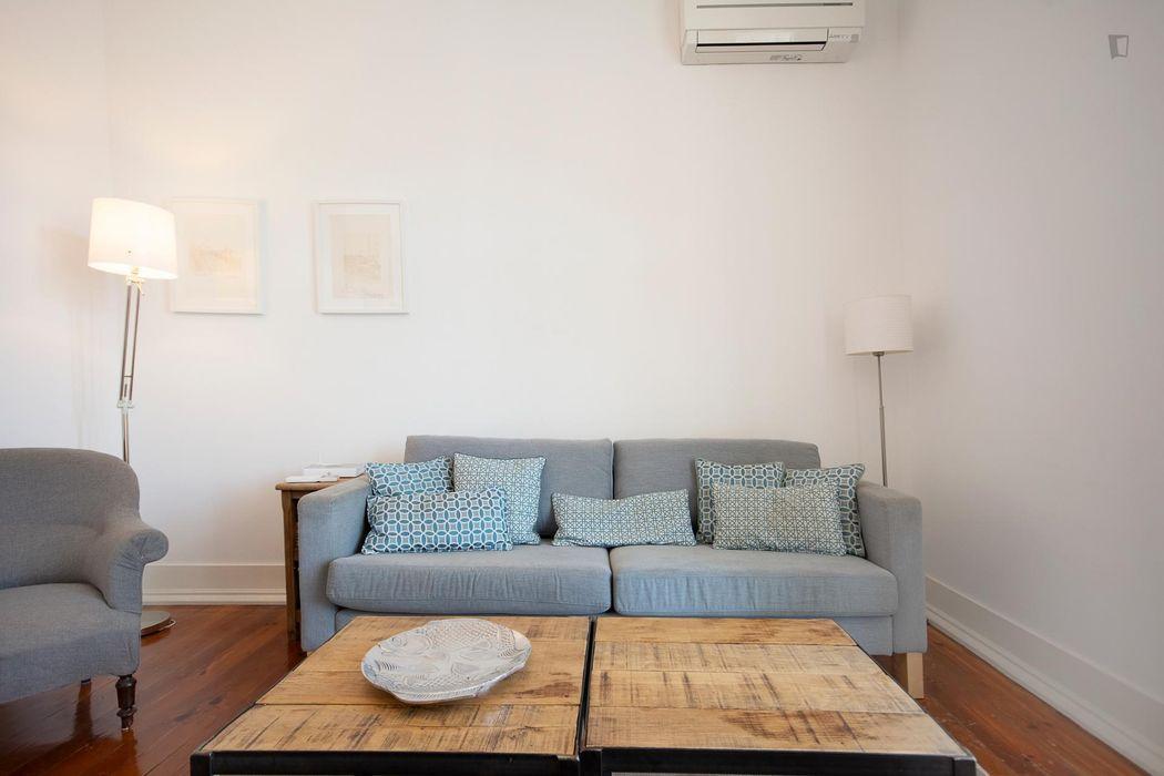 3-Bedroom apartment near Intendente metro station