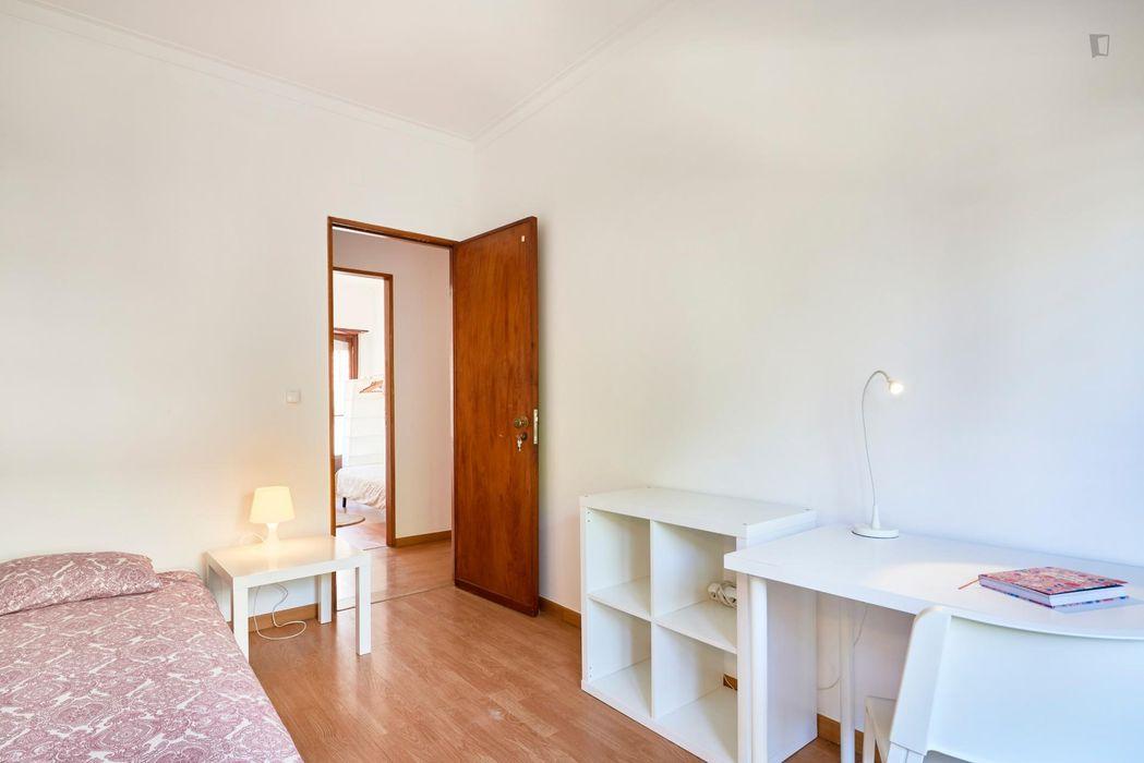 Cozy room in front of University Técnico