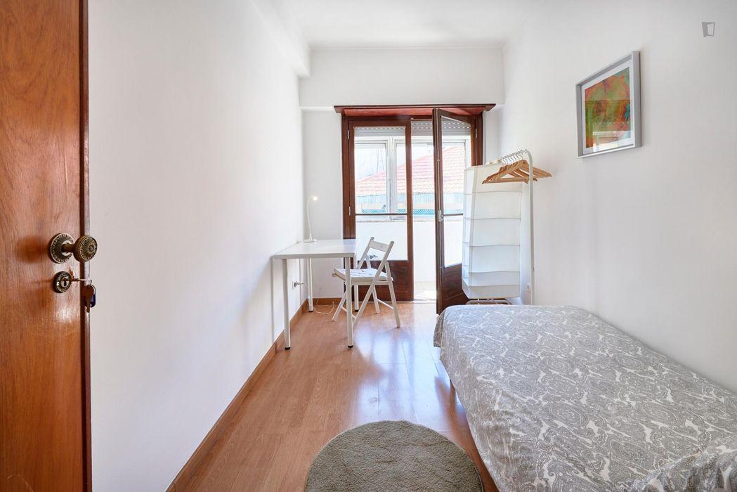 Cozy room VI in front of University Técnico