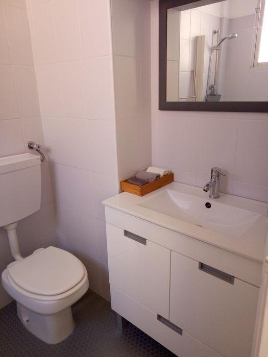 Cosy and bright 1-bedroom apartment in Ajuda
