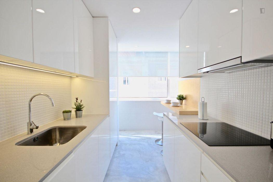 Classy 2-bedroom apartment in Campo de Ourique