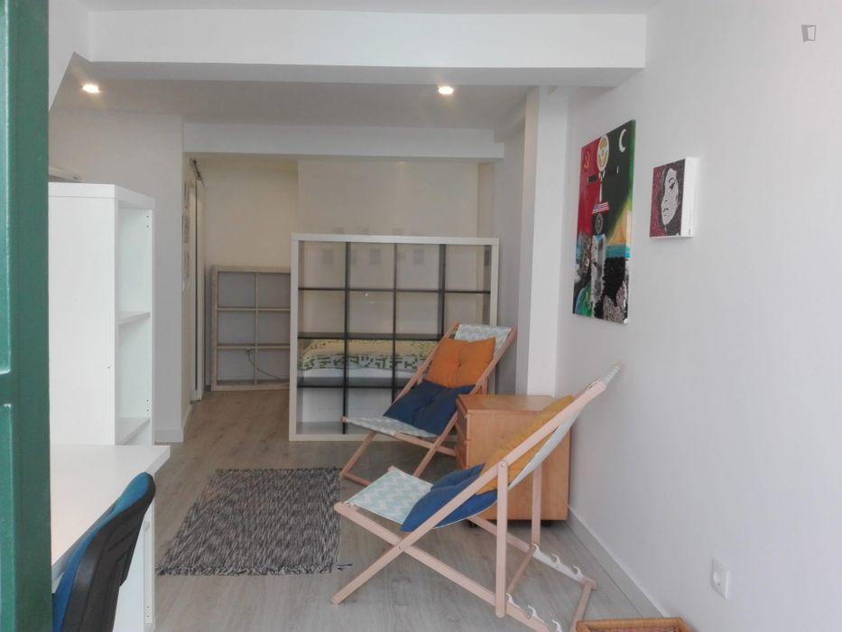 Newly renovated studio near Museu do Azulejo