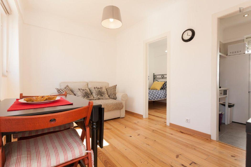 2-Bedroom apartment near Lisboa Santa Apolónia train station
