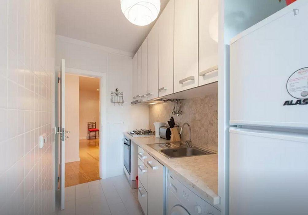 Lovely 1-bedroom apartment in Graça