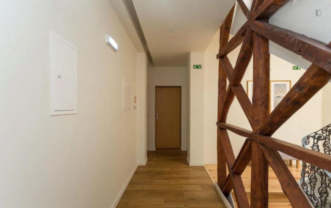 Delightful 2-bedroom flat in Alcântara