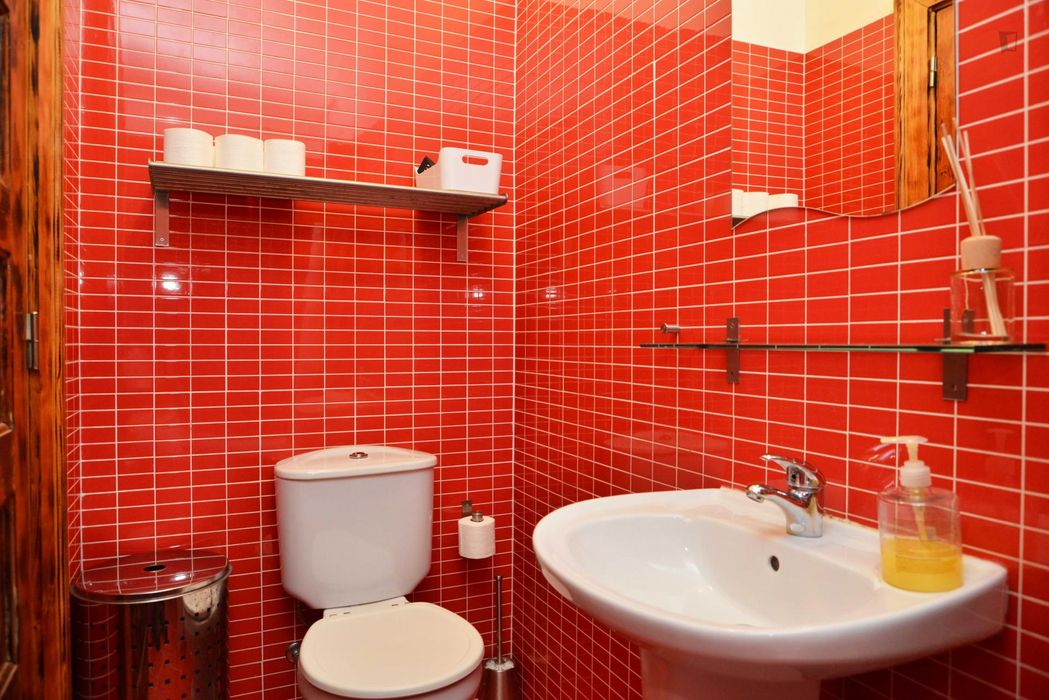 Cool 1-bedroom apartment in Intendent neighbourhoud, very close to the city centre