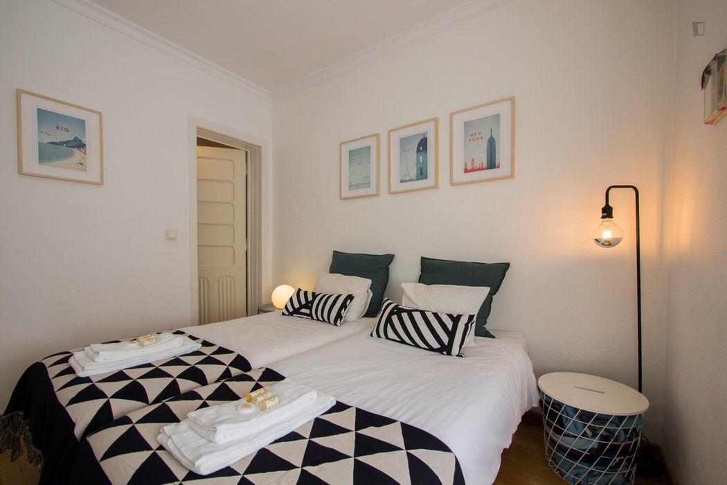 Amazing 1-bedroom apartment near Universidade Lusíada - Oficinas de Design