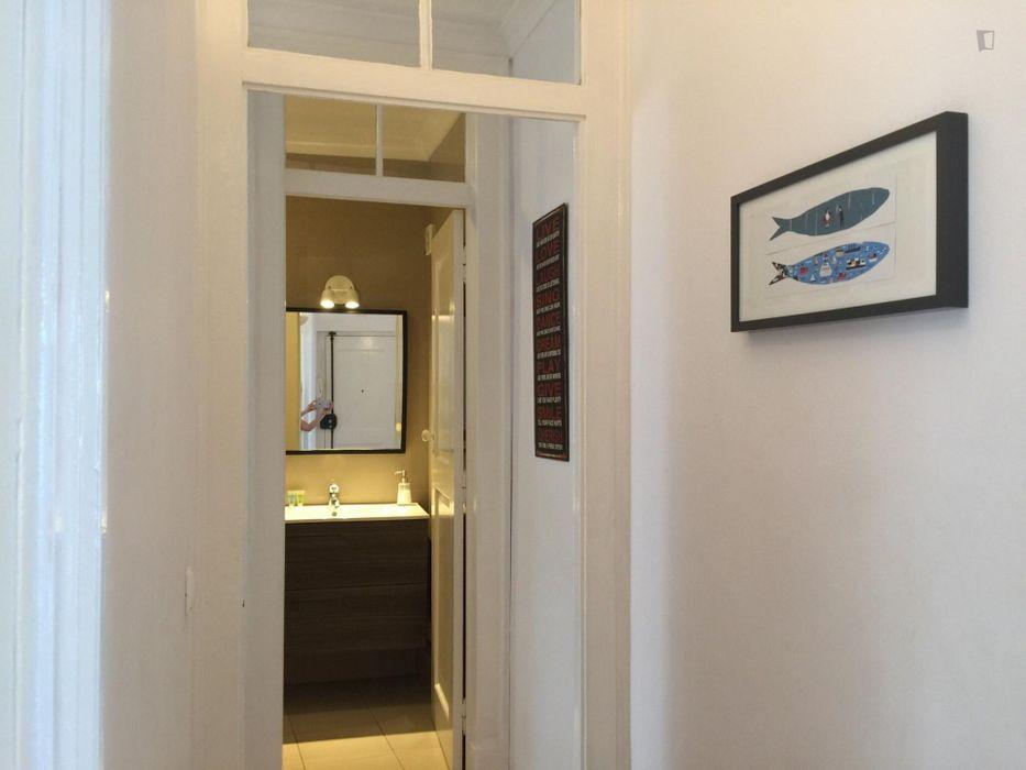 Amazing 2-bedroom apartment near Miradouro de Santo Estêvão