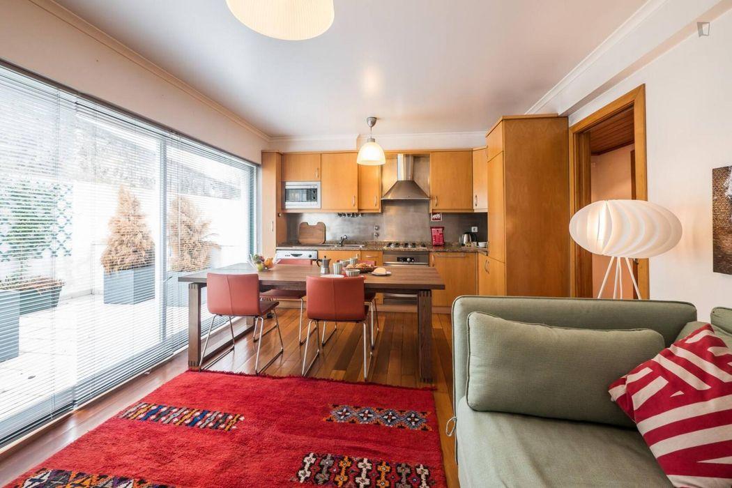 Elegant 2-bedroom apartment near Anjos metro station