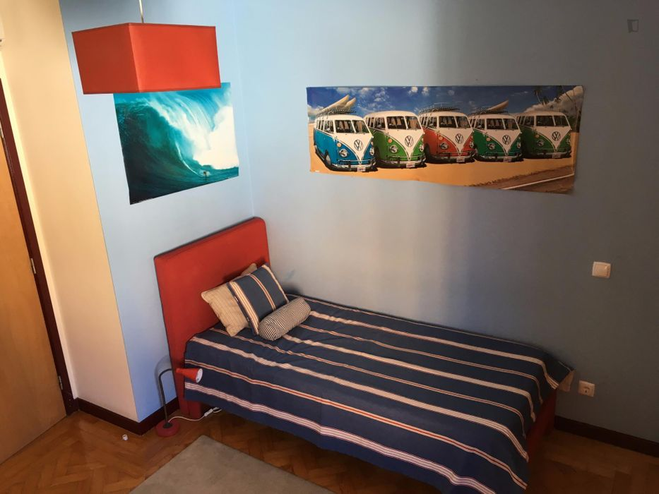 Cool single room in Estoril