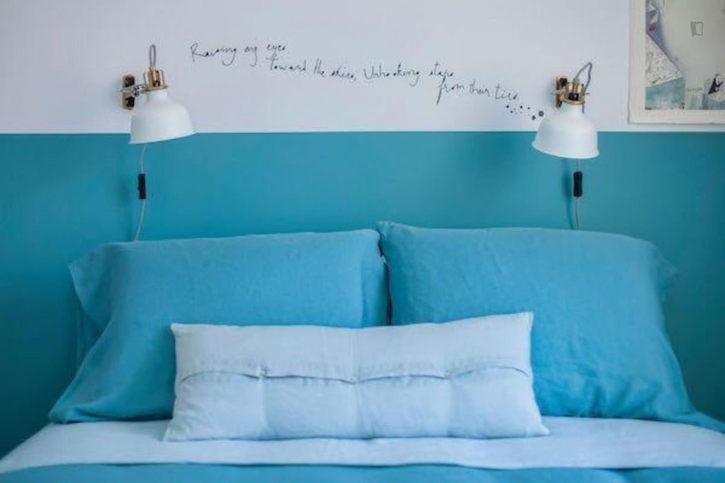 Bright 2-bedroom apartment in the historical Bairro Alto