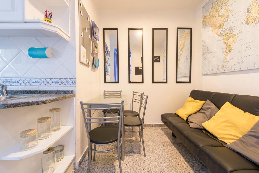 Neat single bedroom in pleasant Picoas, Saldanha area
